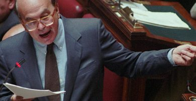Gli applausi di Montecitorio a Bettino Craxi.